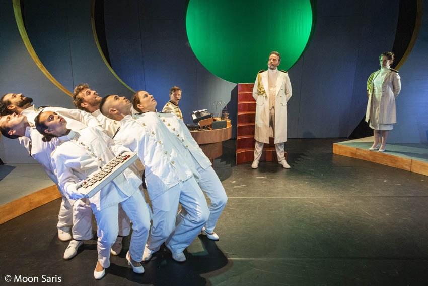 Het Houten Huis - Holland Opera - Ruimtevlucht